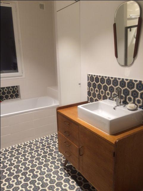 id e relooking cuisine carreaux de ciment bahya motif lunatic pour une allure tr s fifties. Black Bedroom Furniture Sets. Home Design Ideas