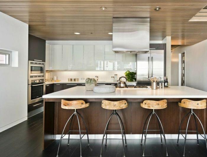 Id e relooking cuisine cuisine blanche laqu e photo cuisine moderne originale chaises de bar - Cuisine blanche laquee ...