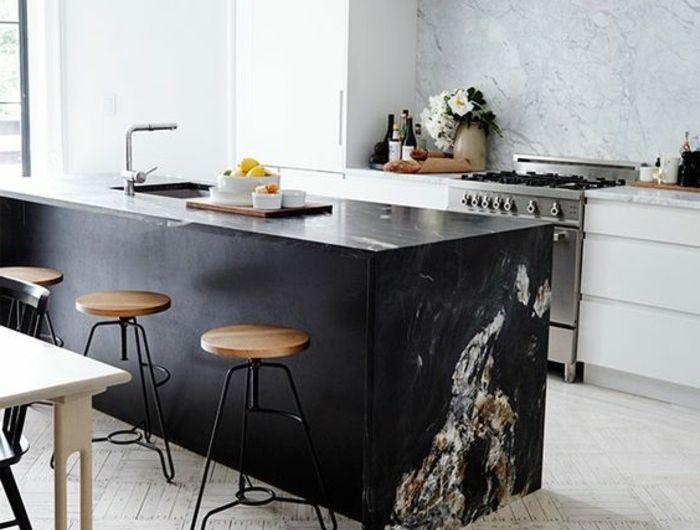 id e relooking cuisine les modeles de cuisines modernes mur en marbre sol en parquet ilot de. Black Bedroom Furniture Sets. Home Design Ideas