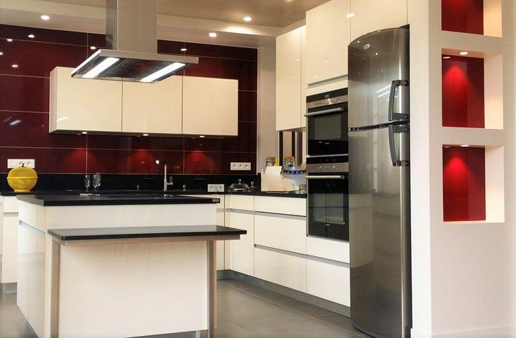 id e relooking cuisine une cuisine moderne et conviviale r alis e par le magasin arthur bonnet. Black Bedroom Furniture Sets. Home Design Ideas