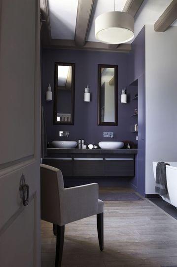 id e relooking cuisine une touche violette dans cette salle de bains de manoir listspirit. Black Bedroom Furniture Sets. Home Design Ideas