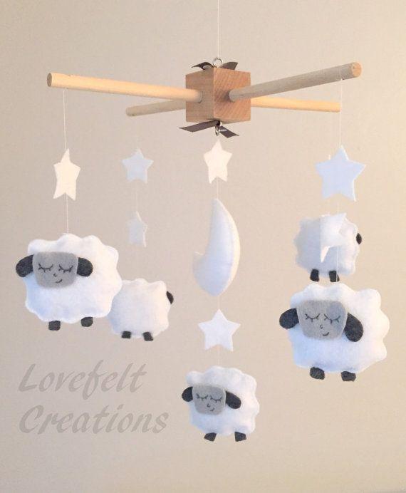 relooking et d coration 2017 2018 b b berceau mobile mobile mouton agneau par. Black Bedroom Furniture Sets. Home Design Ideas