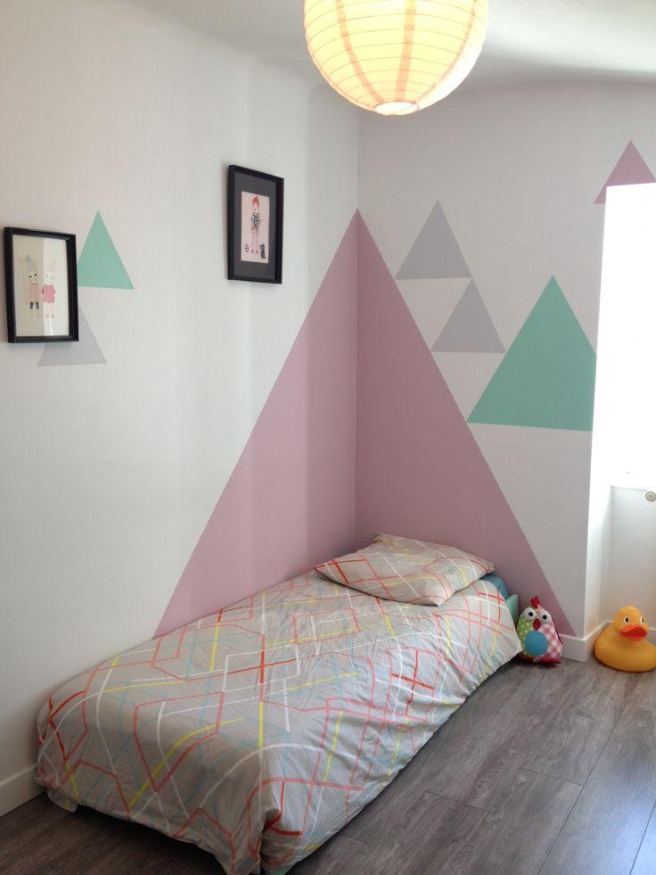 Chambre d 39 enfant d co mur peinture triangle - Deco mur chambre ...