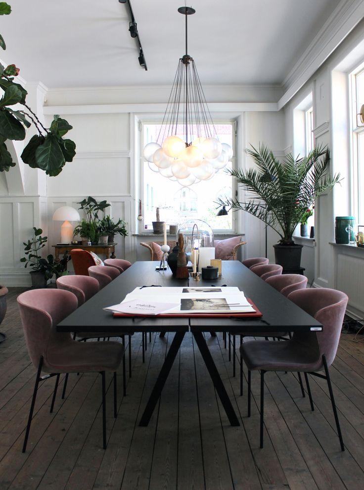 salle manger salle manger l gante leading inspiration culture. Black Bedroom Furniture Sets. Home Design Ideas