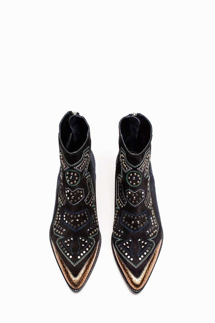 tendance chaussures 2017 bottines mods neo clous noir marine zadig voltaire. Black Bedroom Furniture Sets. Home Design Ideas