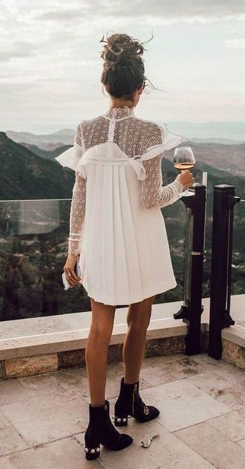 tendance chaussures 2017 robe blanche avec bottine noir. Black Bedroom Furniture Sets. Home Design Ideas