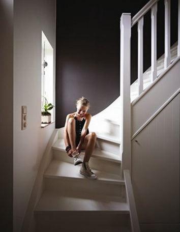 d co salon peindre un couloir trouver la bonne couleur colora blog. Black Bedroom Furniture Sets. Home Design Ideas