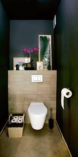 id e d coration salle de bain des toilettes cosy en bois et bleu nuit. Black Bedroom Furniture Sets. Home Design Ideas