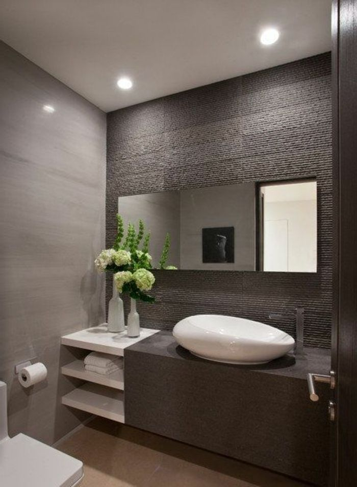 id e d coration salle de bain fleurs dans la salle de bain moderne avec meubles mobalpa. Black Bedroom Furniture Sets. Home Design Ideas