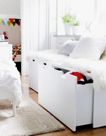 id e d coration salle de bain banquette et meuble de rangement ce banc a tout bon ikea le. Black Bedroom Furniture Sets. Home Design Ideas