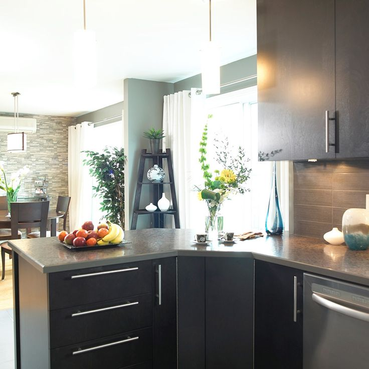 id e relooking cuisine p ninsule avec bande corian sur comptoir stratifi pour cuisine urbain. Black Bedroom Furniture Sets. Home Design Ideas