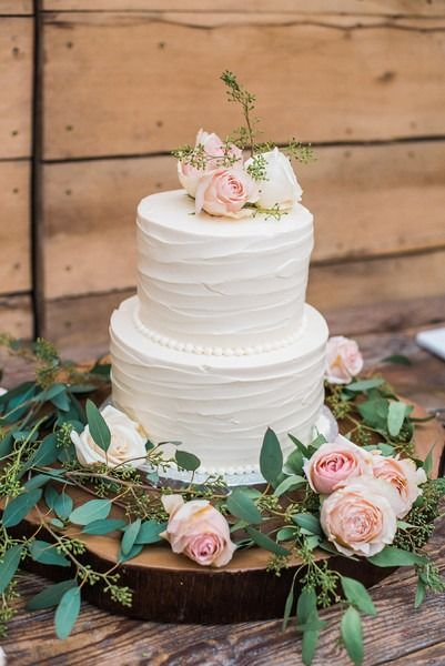 2 tier wedding cake pics pi 232 ce mont 233 e 2017 wedding cake idea two tier 10156