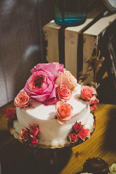 Piece Montee 2017 One Tier Wedding Cake Idea Buttercream Frosted