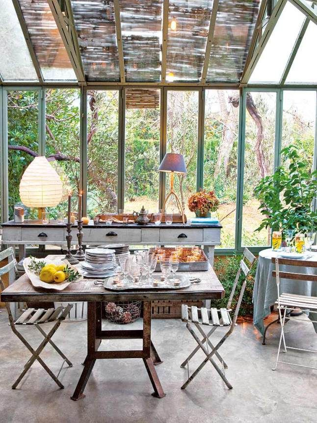 salle manger cuisine v randa avec une verri re atelier en m tal leading. Black Bedroom Furniture Sets. Home Design Ideas