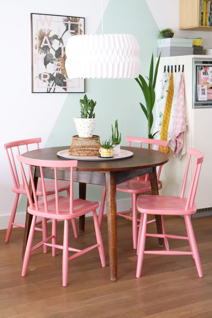 salle manger my attic shop vintage dining chairs pink eetkamerstoelen eethoek. Black Bedroom Furniture Sets. Home Design Ideas