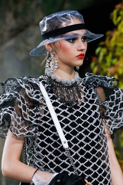 5598d11a292c Chanel – Spring 2018 Ready-to-Wear Chanel Spring 2018 Ready-to-Wear Fashion  Show Details See detail photos for Chanel Spring 2018 Ready-to-Wear  collection.