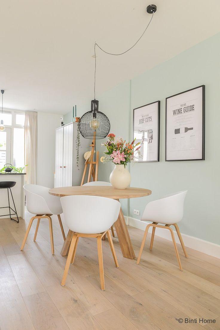 D co salon binnenkijken in een scandinavisch wonen met for Eettafel scandinavisch