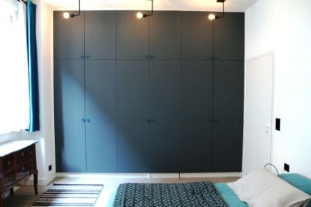 d co salon comment donner vie un mur de placards. Black Bedroom Furniture Sets. Home Design Ideas