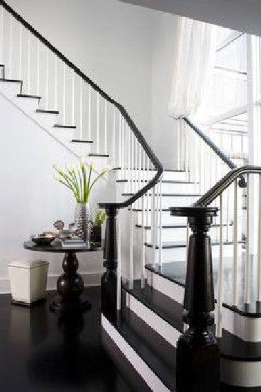 d co salon dans la continuit du sol de l entr e les contremarches et la rampe en bois. Black Bedroom Furniture Sets. Home Design Ideas
