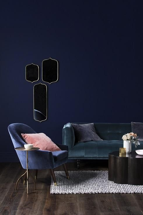 Déco Salon - Un salon bleu sur bleu, avec des canapé en velours ...
