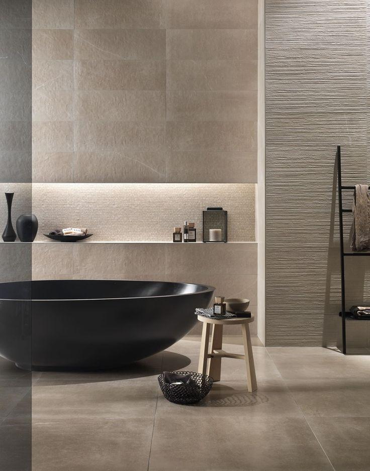 Idée décoration Salle de bain - Baignoire îlot noire – un ...