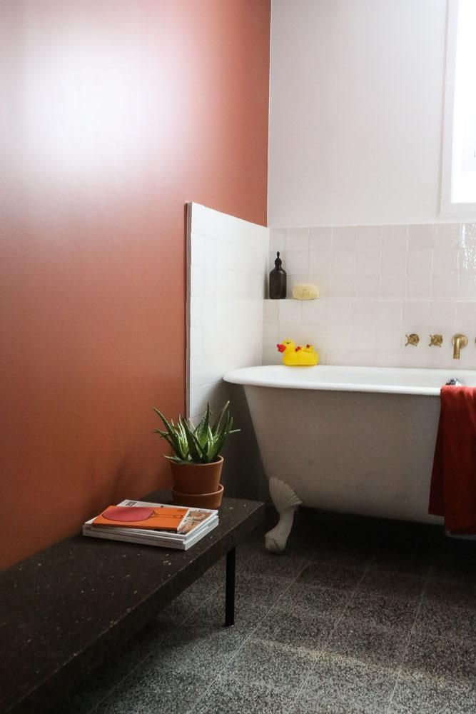 Id e d coration salle de bain salle de bain baignoire for Peinture deco salle de bain