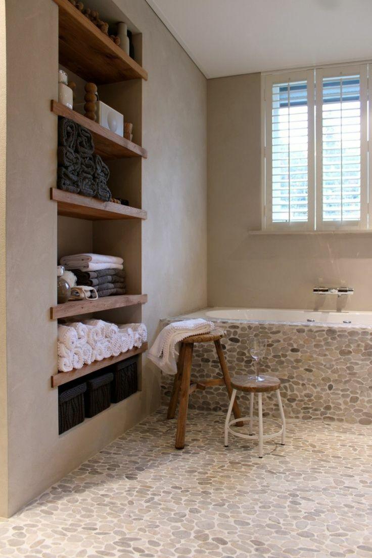 Idée décoration Salle de bain - salle de bain zen avec étagère ...