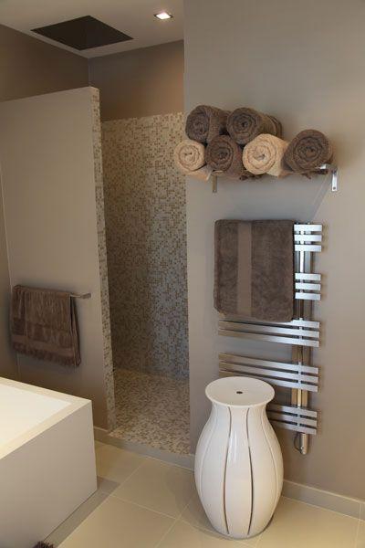 id e d coration salle de bain salle de bains tons beige douche italienne. Black Bedroom Furniture Sets. Home Design Ideas