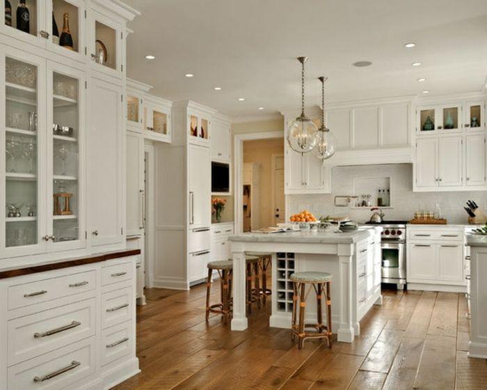 id e relooking cuisine les cuisines blanches avec sol en bois clair et table de cuisine. Black Bedroom Furniture Sets. Home Design Ideas