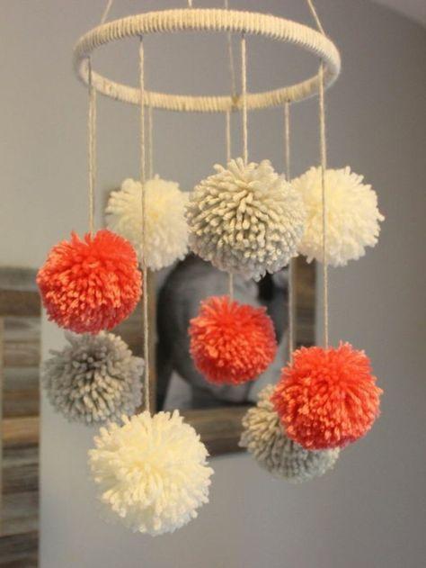 fabriquer un pompon lustre d coratif peintures cadre. Black Bedroom Furniture Sets. Home Design Ideas