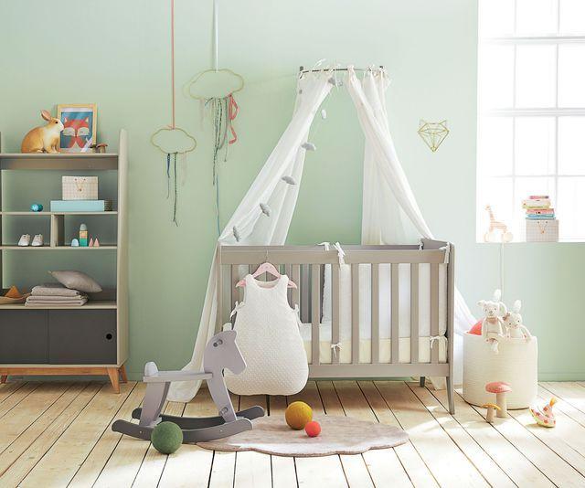 sommier bebe lit bb avec sommier x with sommier bebe. Black Bedroom Furniture Sets. Home Design Ideas