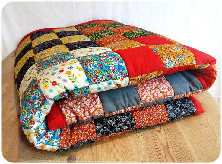 citation la couverture en patchwork version vintage ann es 70 vous trouverez tout le t. Black Bedroom Furniture Sets. Home Design Ideas