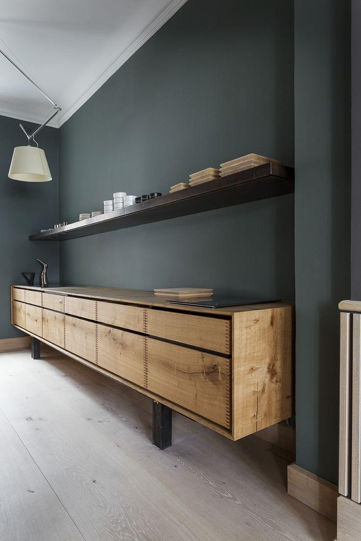 D Co Salon Un Mur Vert Profond Et Sourd Rehauss Par Un Meuble  # Meuble Bas Salon