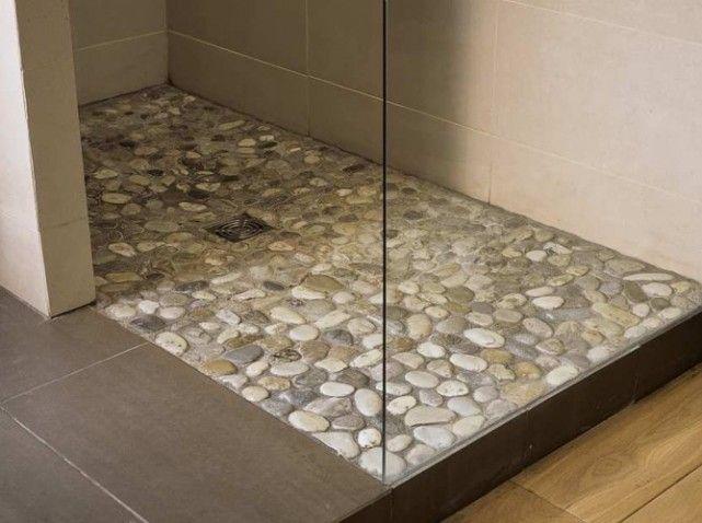 Id e d coration salle de bain carrelage galet dans la for Dans la salle de bain