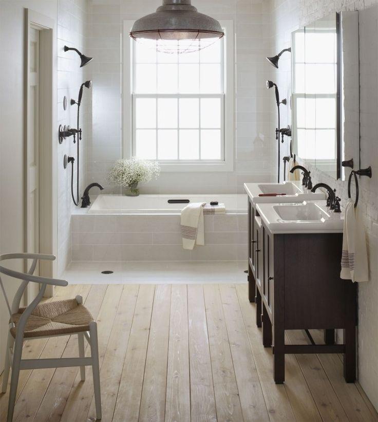id e d coration salle de bain salle de bains vintage avec carrealge blanc plancher en bois et. Black Bedroom Furniture Sets. Home Design Ideas
