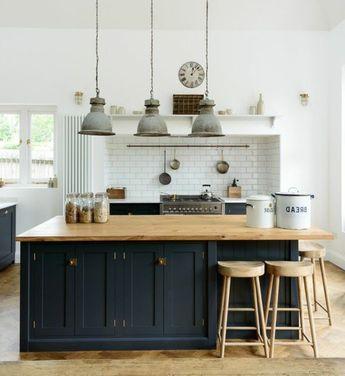 d co salon excellente suggestion cuisine industrielle cr dence en carrelage blanc ilot d. Black Bedroom Furniture Sets. Home Design Ideas