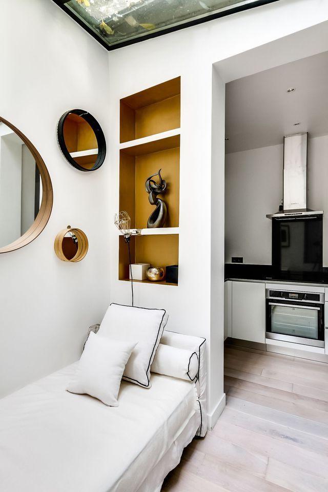 d co salon un espace d tente a t am nag sous la v randa marqu par des niches do. Black Bedroom Furniture Sets. Home Design Ideas