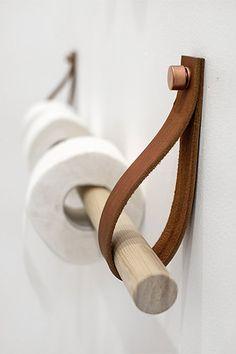 Idée Décoration Salle De Bain Bâton En Bois Sangle En Cuir Et - Porte rouleau papier toilette