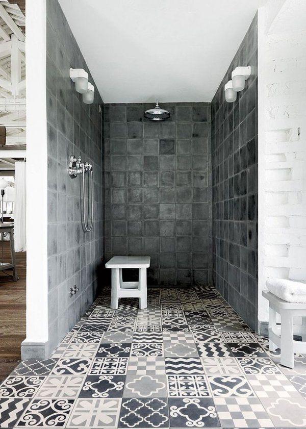 Carreaux de ciment dans la salle de bain / Douche italienne ...