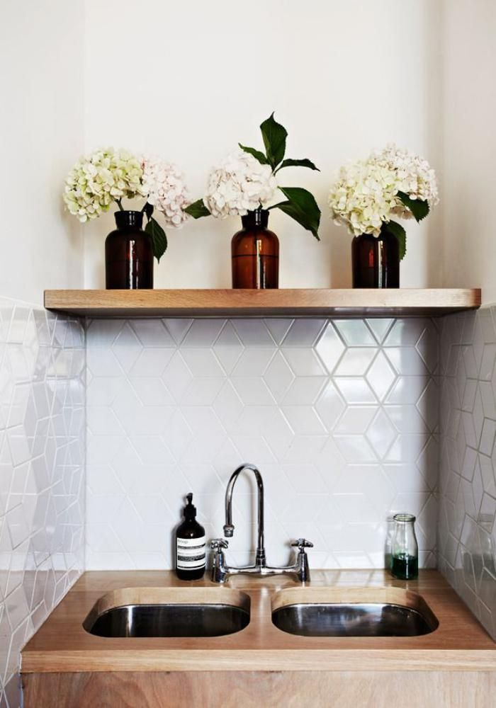 Idée décoration Salle de bain - carrelage blanc brillant, tuiles ...