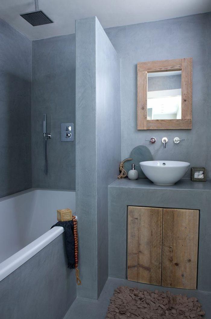 id e d coration salle de bain jolie salle de bain avec murs bleus clairs de style rustique. Black Bedroom Furniture Sets. Home Design Ideas