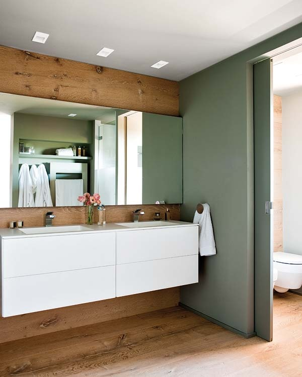 id e d coration salle de bain mur de bois et porte coulissante leading. Black Bedroom Furniture Sets. Home Design Ideas