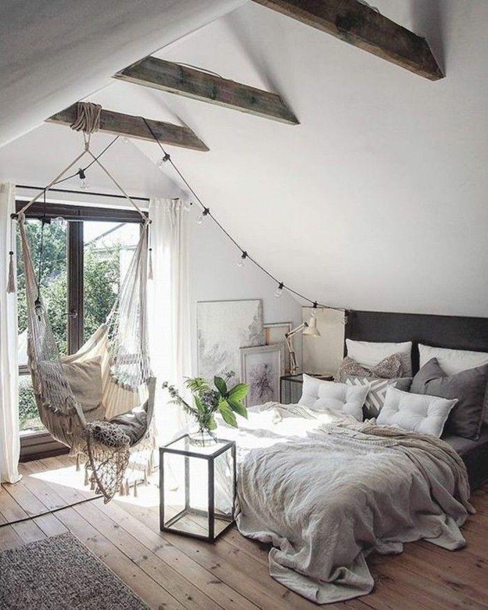 relooking et d coration 2017 2018 chambre a coucher sous les combles sol en bois clair. Black Bedroom Furniture Sets. Home Design Ideas