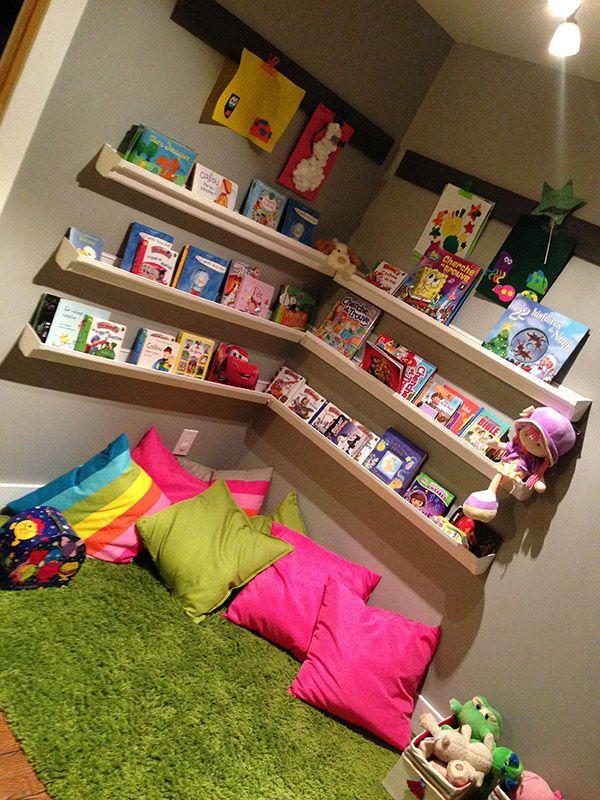 dans le ventre de maman coin lecture pour enfant. Black Bedroom Furniture Sets. Home Design Ideas