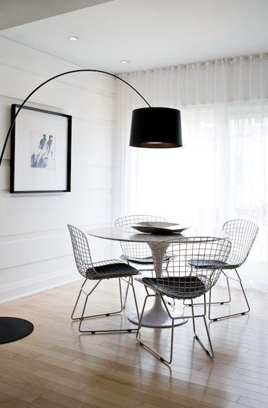salle manger jolie salle manger pleine de lumi re et de l g ret gr ce aux wire side. Black Bedroom Furniture Sets. Home Design Ideas