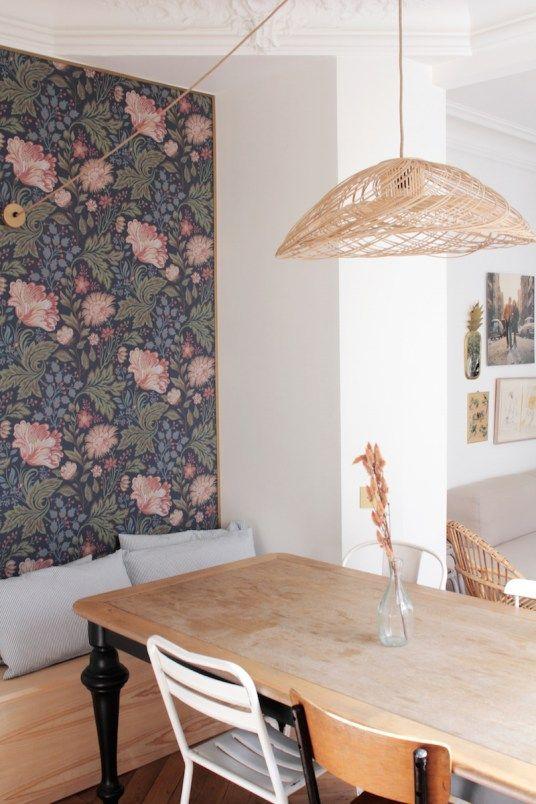 salle manger papier peint encadr par des baguettes pour effet tapisserie. Black Bedroom Furniture Sets. Home Design Ideas