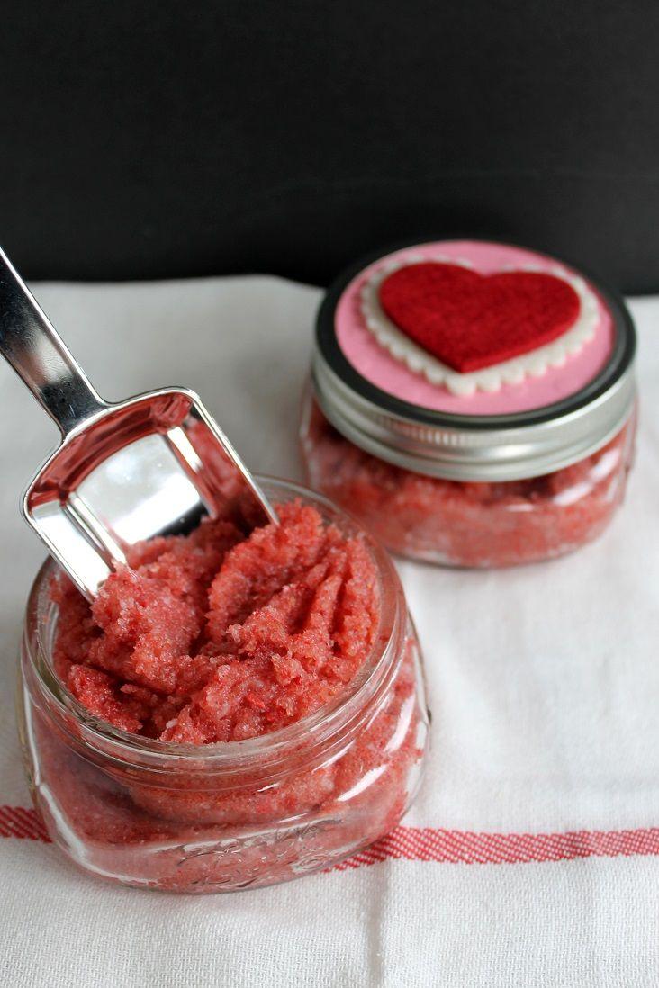 gommage au sucre et aux fraises pour la saint valentin. Black Bedroom Furniture Sets. Home Design Ideas