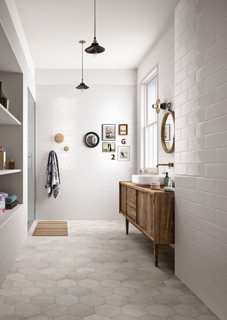 Id e d coration salle de bain carrelage hexagonal de - Salle de bain couleur bois ...