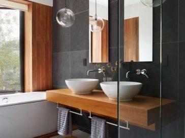 id e d coration salle de bain form meets function in an impressive bathroom renovation rue. Black Bedroom Furniture Sets. Home Design Ideas