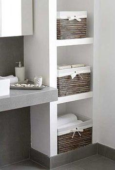Idée décoration Salle de bain - Rangement avec des niches dans un ...